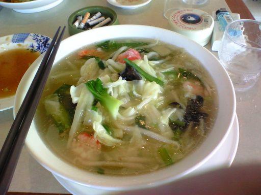 海鮮と野菜の塩タン麺